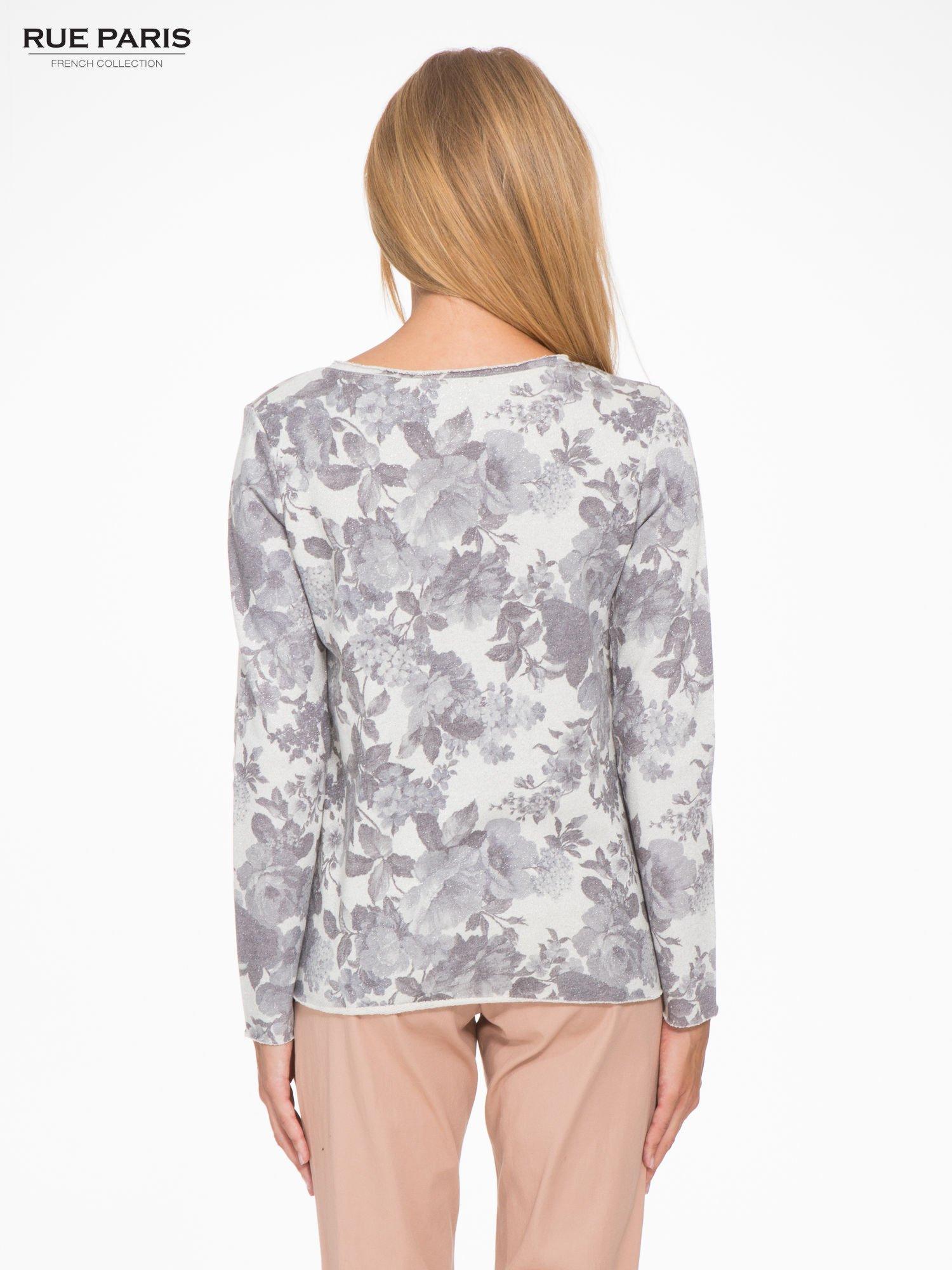 Szara kwiatowa bluza z napisem VOILÀ przeplatana błyszczącą nicią                                  zdj.                                  4