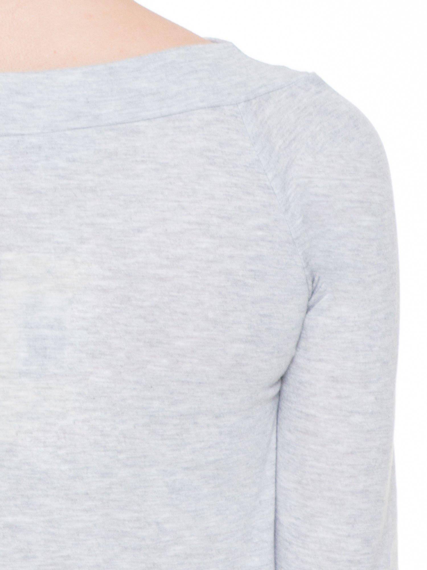 Szara melanżowa gładka bluzka z reglanowymi rękawami                                  zdj.                                  7