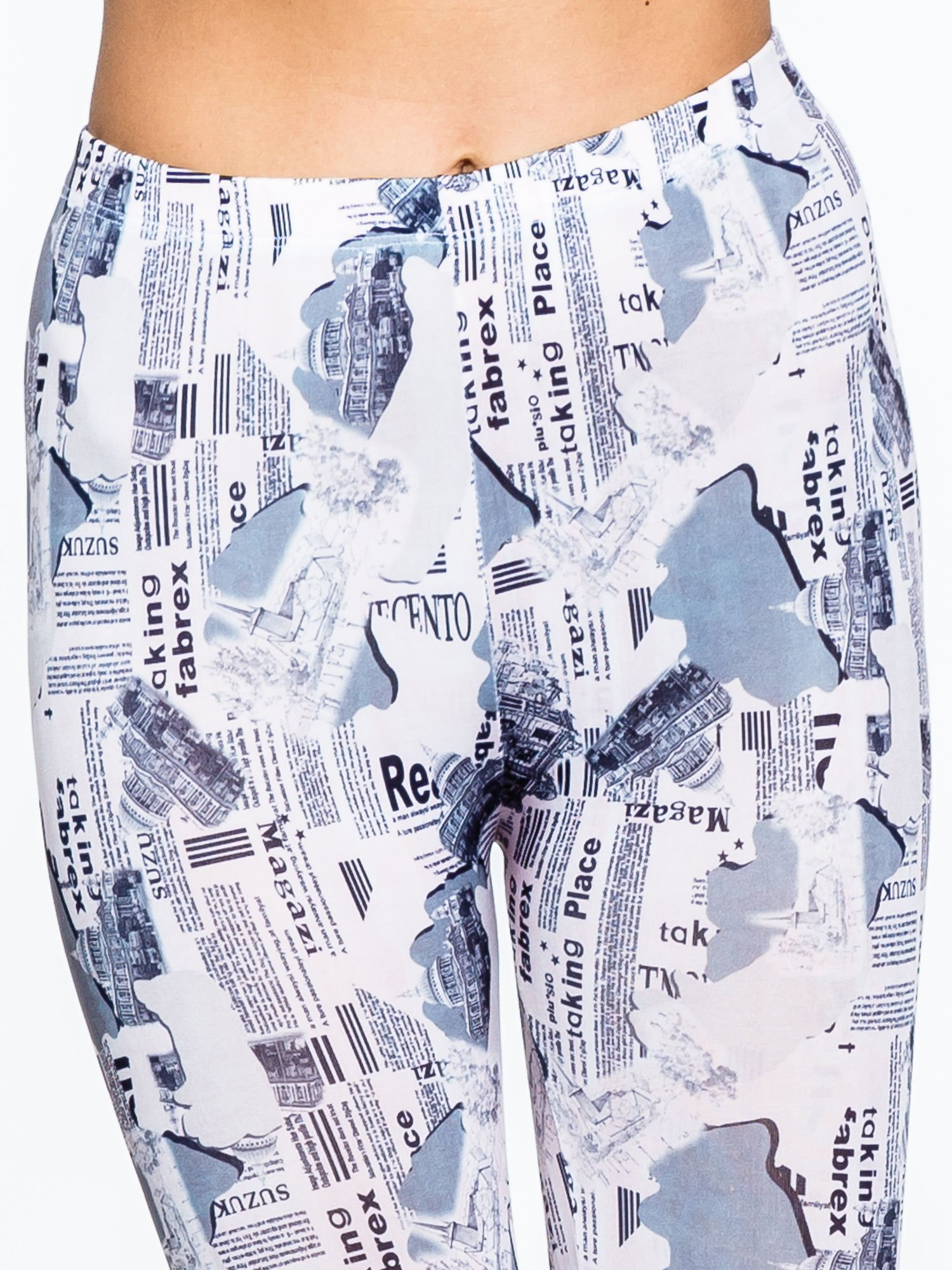 Szare legginsy z motywem newspaper print                                  zdj.                                  5