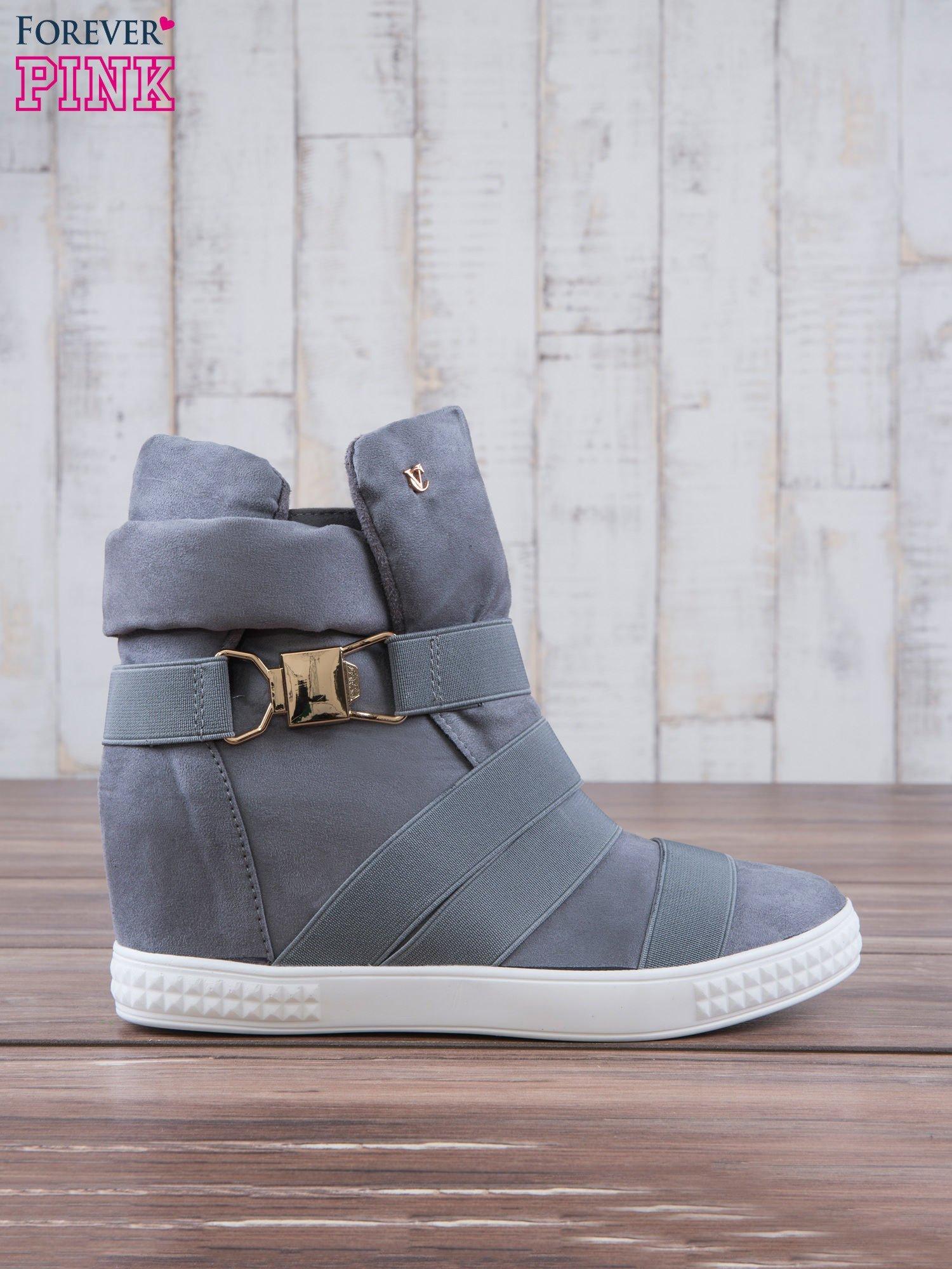 Szare zamszowe sneakersy bandage z klamerką Lucky                                  zdj.                                  2