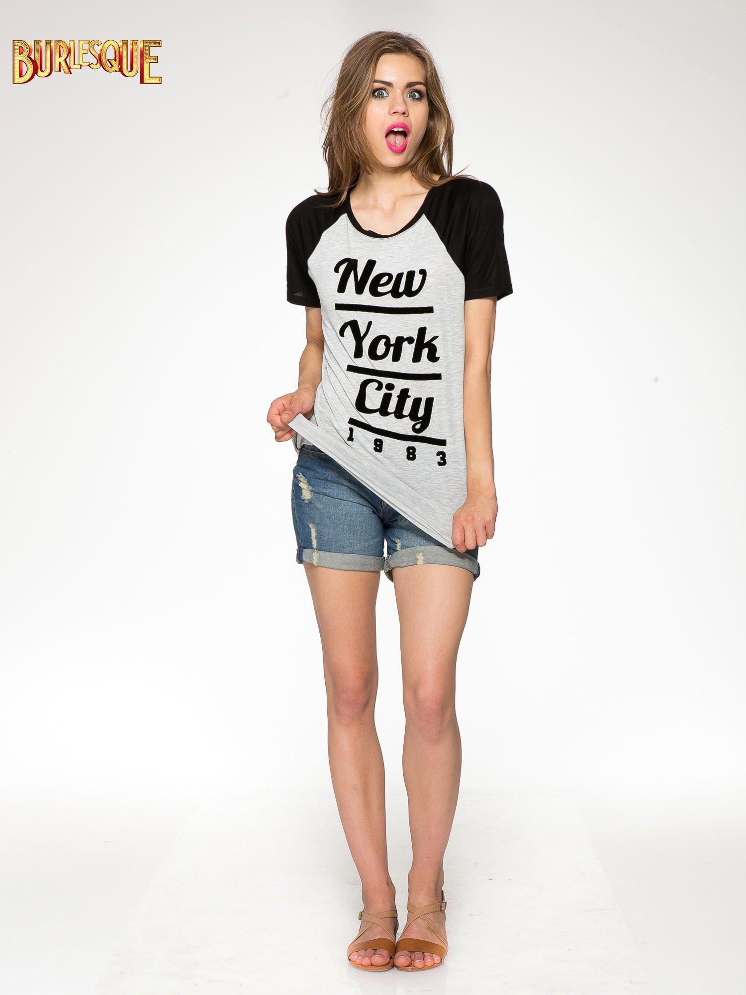Szaro-czarny t-shirt z nadrukiem NEW YORK CITY 1983                                  zdj.                                  2