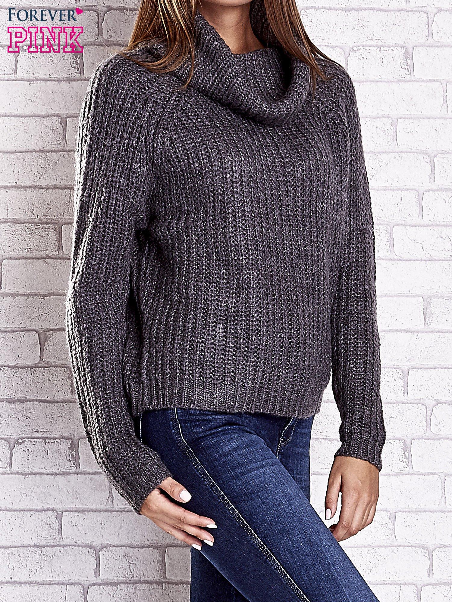 Szary sweter oversize z luźnym golfem                                  zdj.                                  5