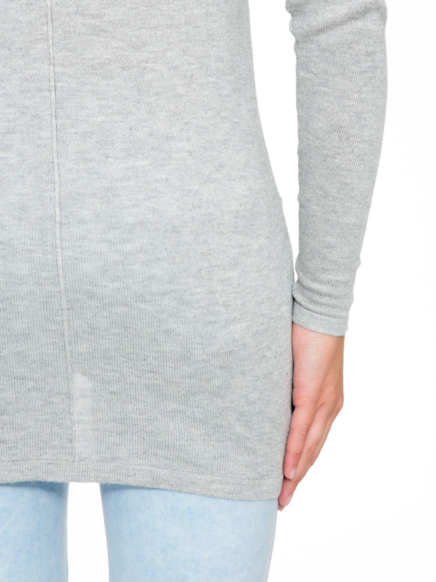 Szary sweter z dłuższym tyłem i rozporkami po bokach                                  zdj.                                  9
