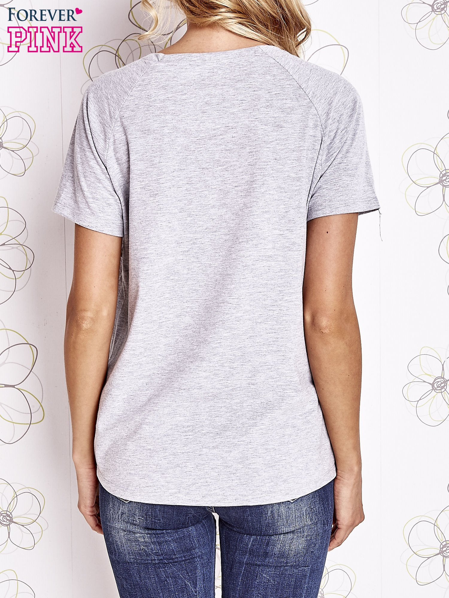 Szary t-shirt z aplikacją owadów                                   zdj.                                  4