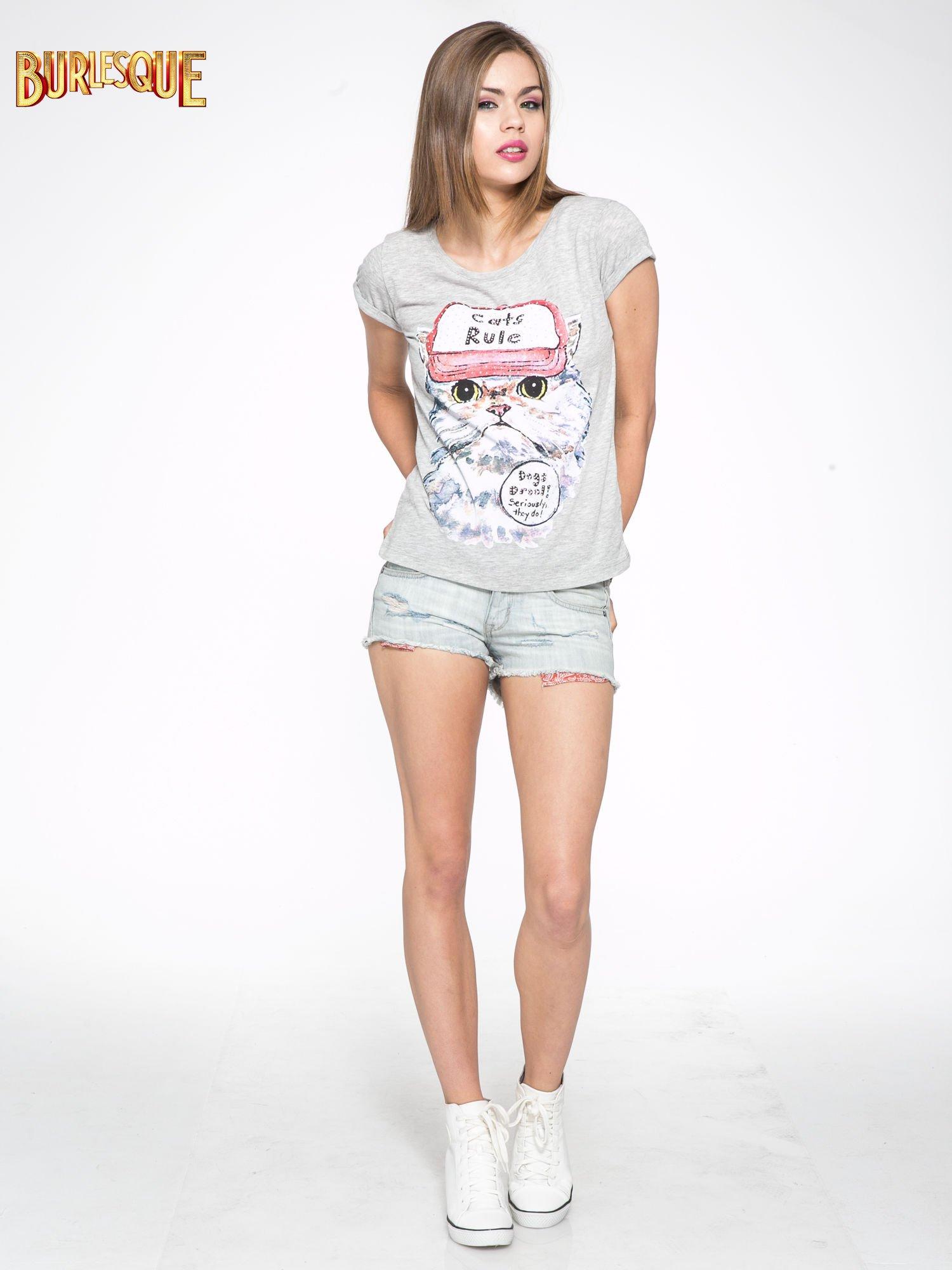Szary t-shirt z nadrukiem kota i napisem CATS RULE                                  zdj.                                  2