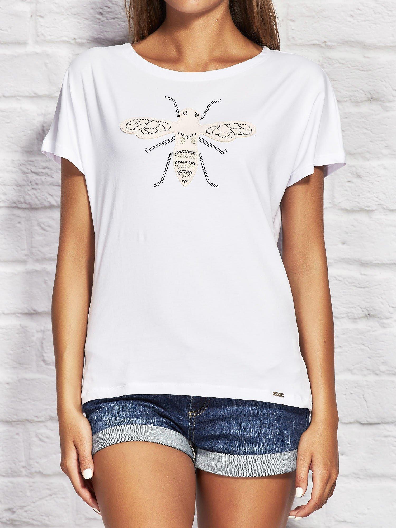 3beddf8b9a8416 T-shirt damski z naszywką owada biały - T-shirt jednokolorowy ...