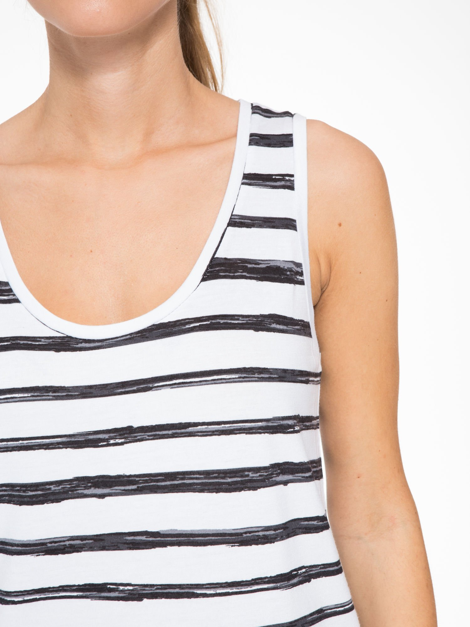 T-shirt na szerokich ramiączkach w biało-czarne paski                                  zdj.                                  7