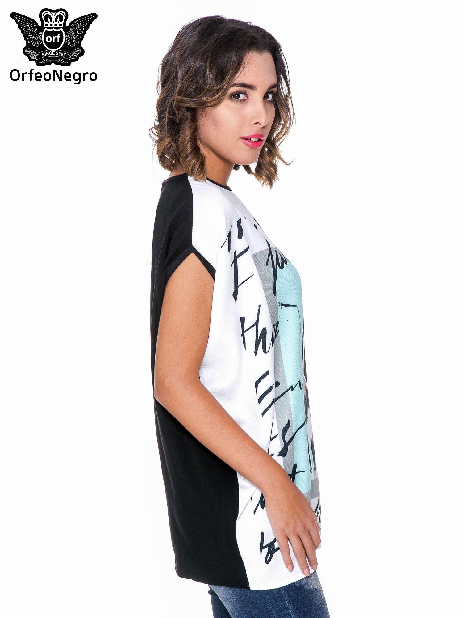 T-shirt o kimonowym kroju z nadrukiem w stylu fashion                                  zdj.                                  3