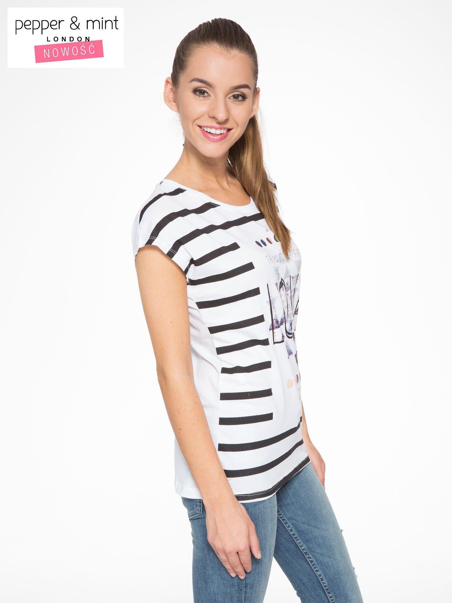 T-shirt w biało-czarne paski z napisem LOVE                                  zdj.                                  3