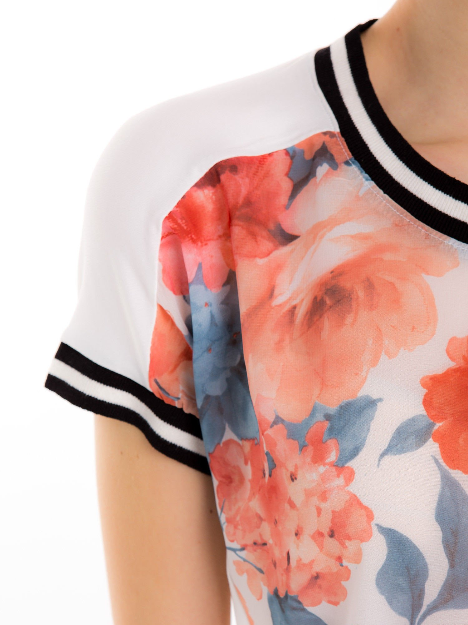 T-shirt w kwiatowy wzór ze sportową lamówką                                  zdj.                                  5