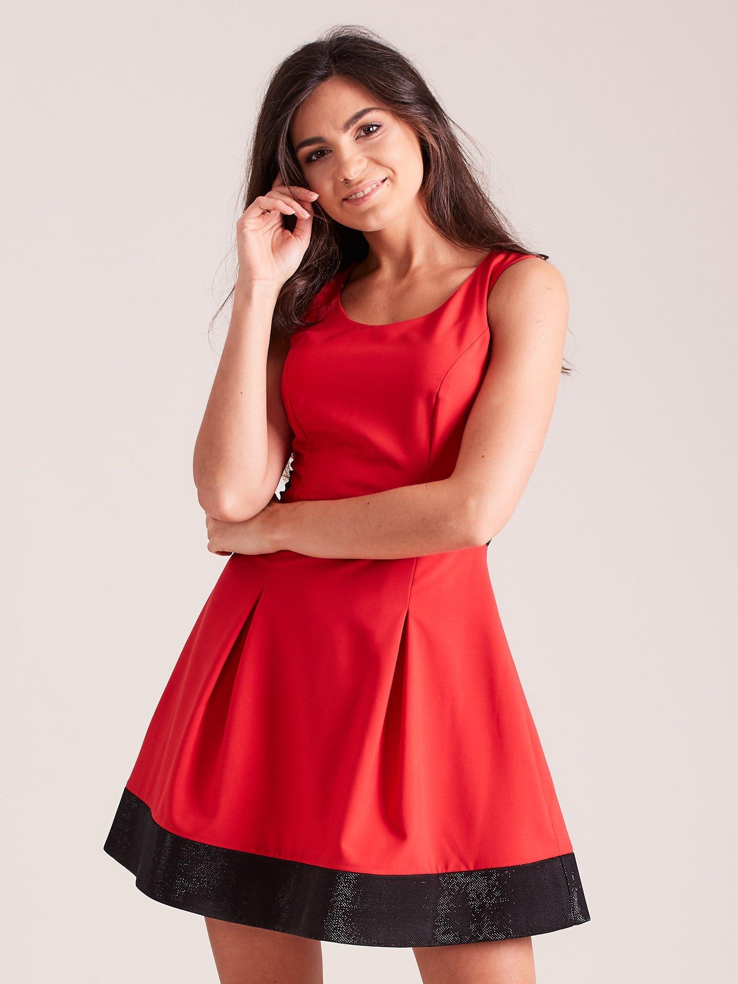 56d51961fc Trapezowa sukienka koktajlowa z zakładkami czerwona - Sukienka ...