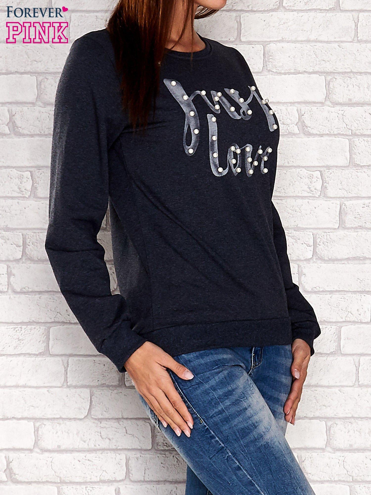 Turkusowa bluza z napisem JUST LOVE i perełkami                                  zdj.                                  3