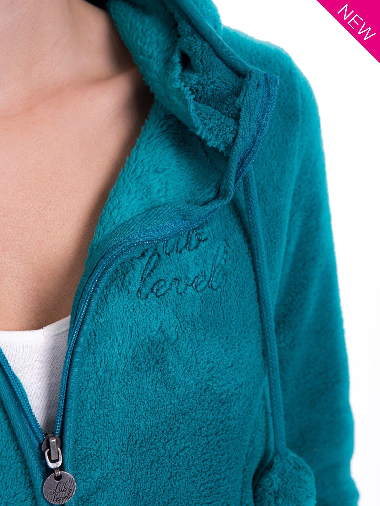 Zielona bluza miś z kapturem z uszkami i pomponami                                  zdj.                                  11