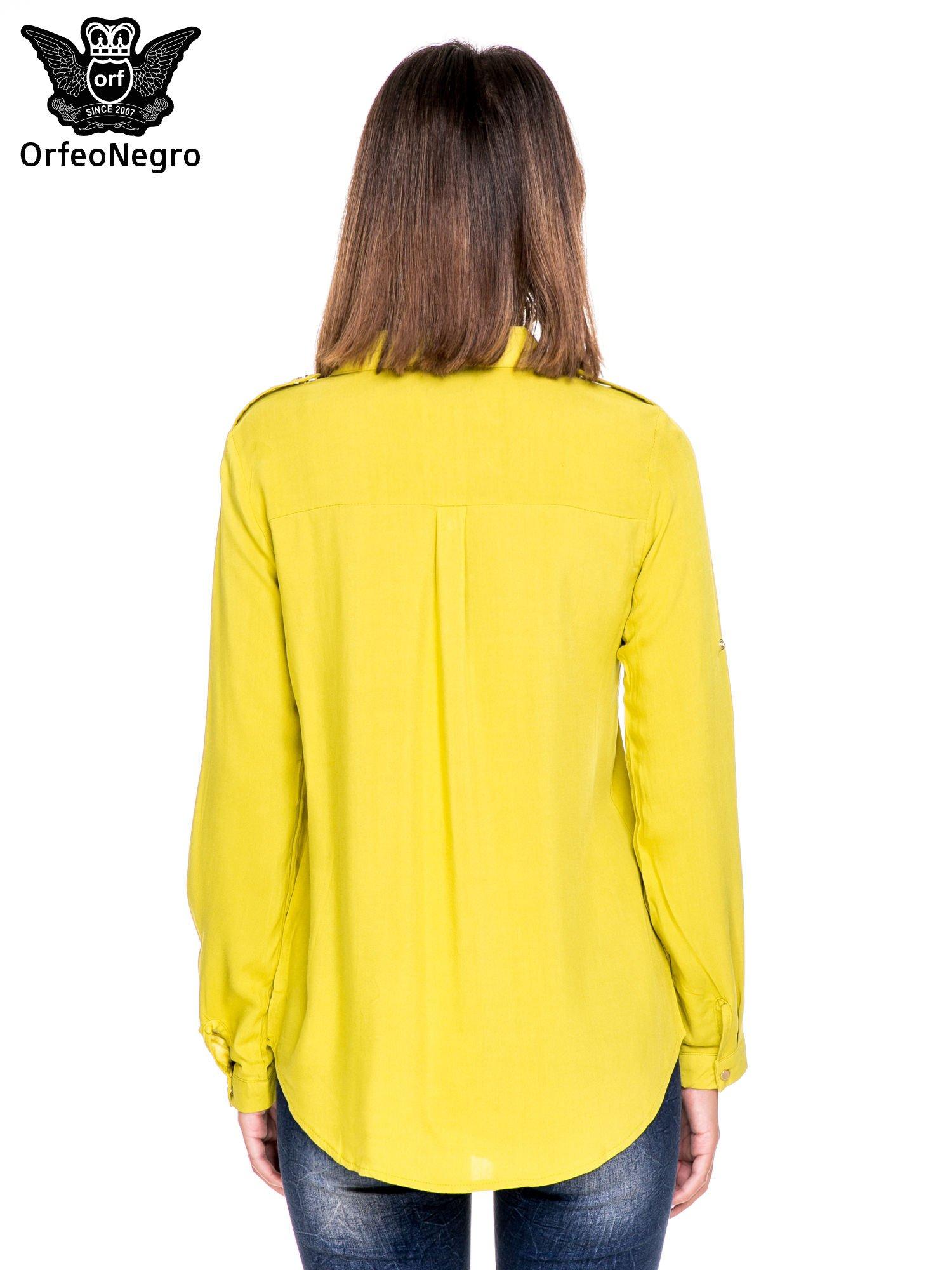 Zielona klasyczna koszula z kieszonkami po bokach                                  zdj.                                  4