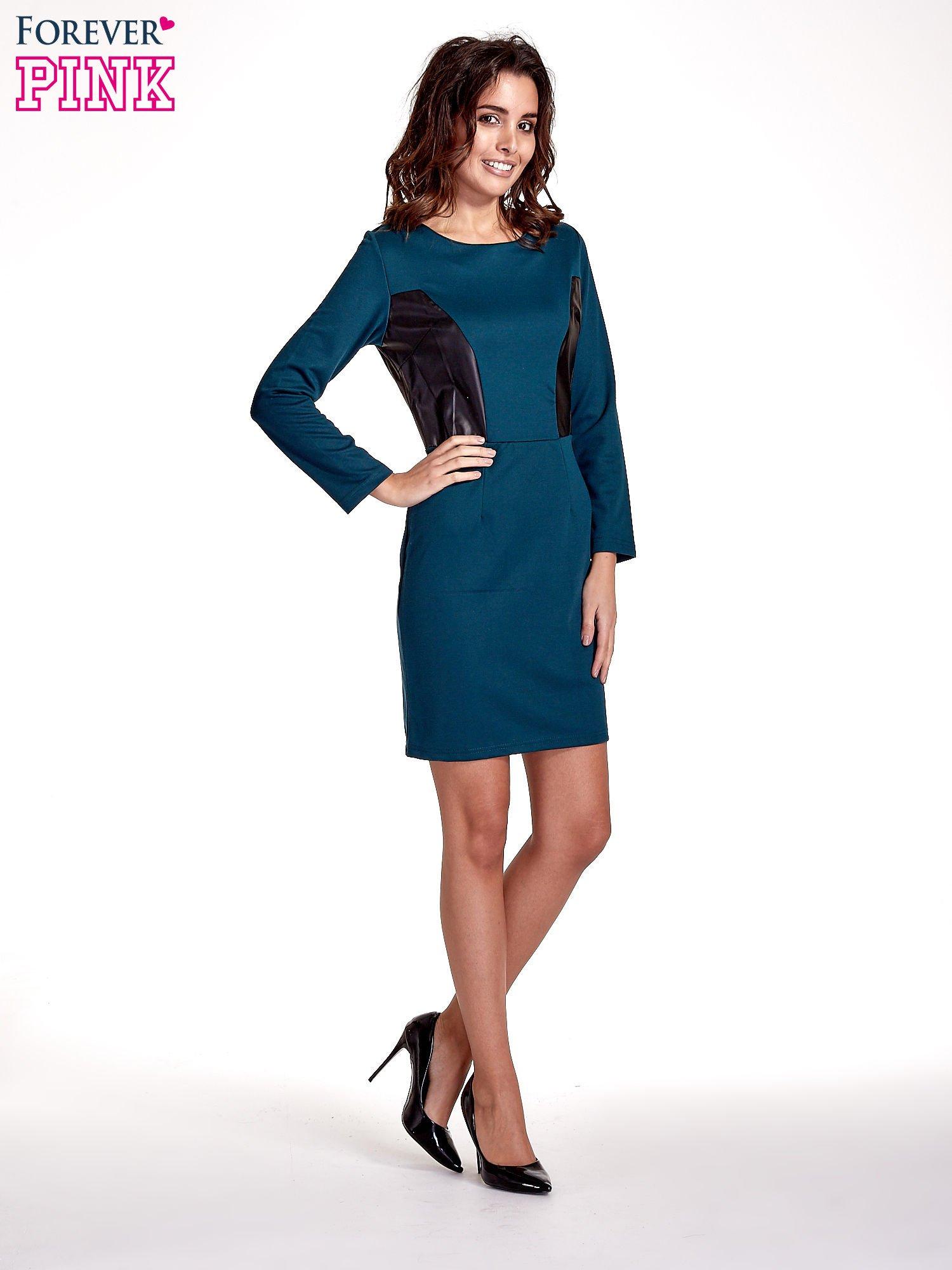Zielona sukienka ze skórzanymi wstawkami                                  zdj.                                  2