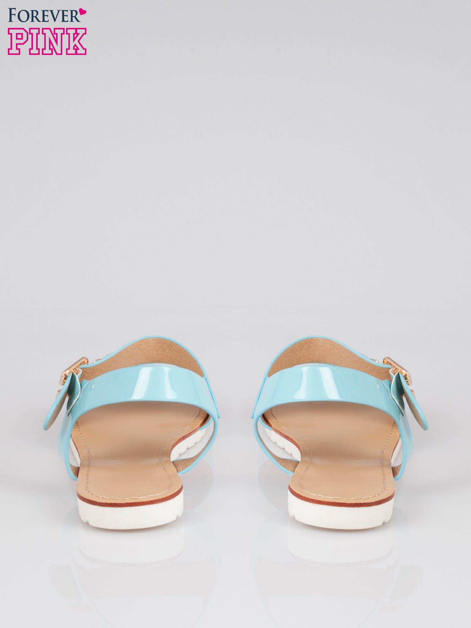 Zielone płaskie sandały z klamrami Meridian                                  zdj.                                  3