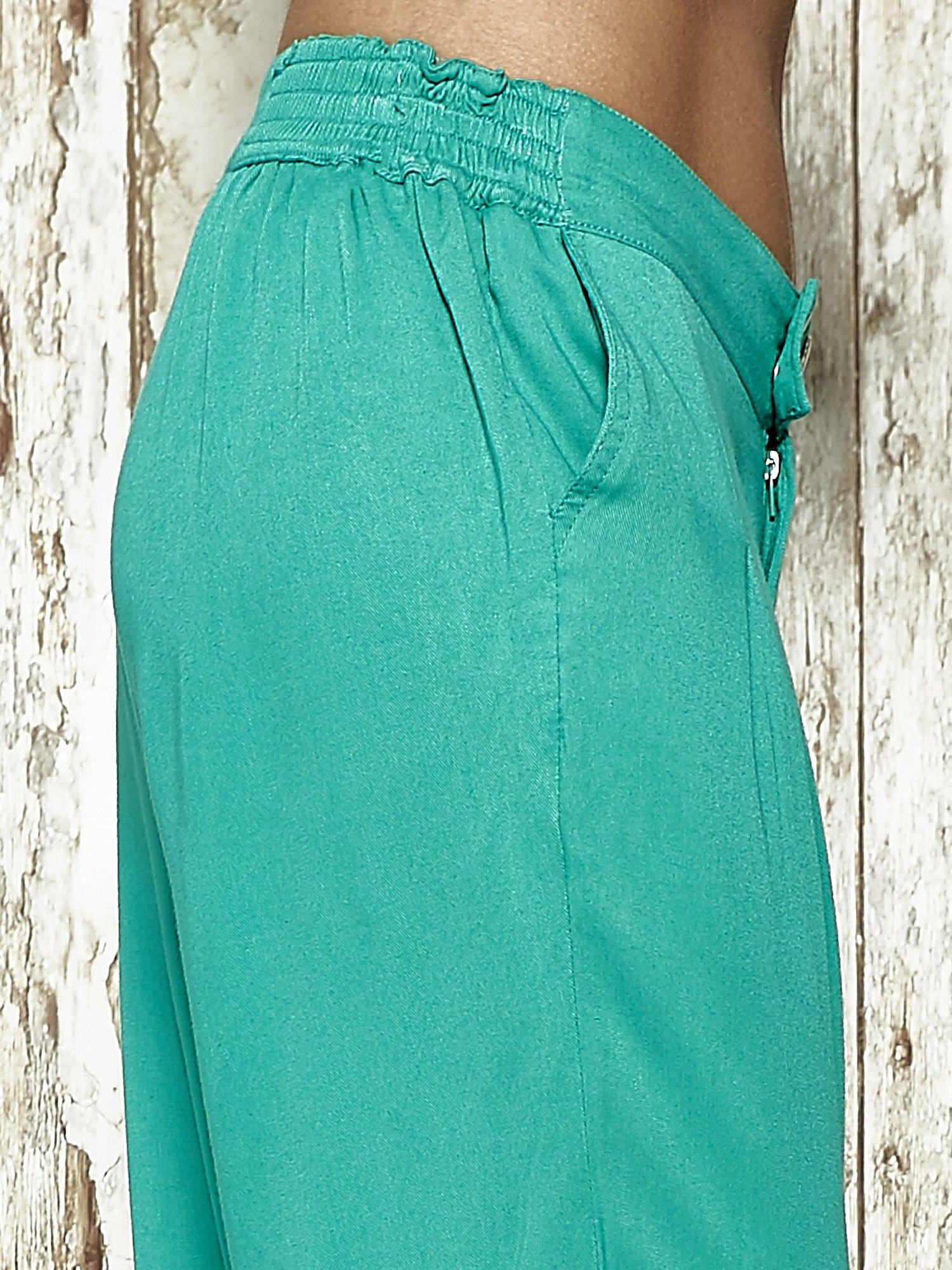 Zielone spodnie alladynki z bocznymi kieszeniami FUNK N SOUL                                  zdj.                                  6