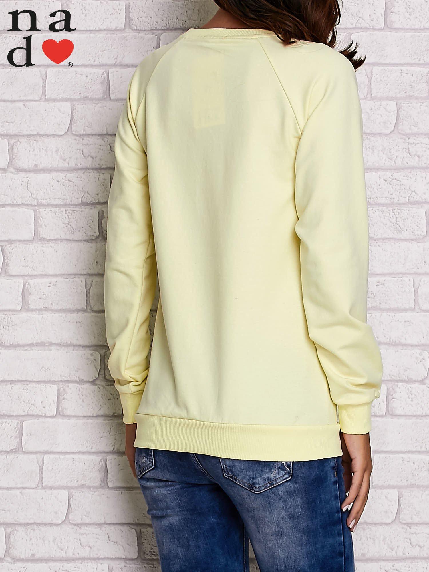Żółta bluza z napisem BAD GIRL                                  zdj.                                  4