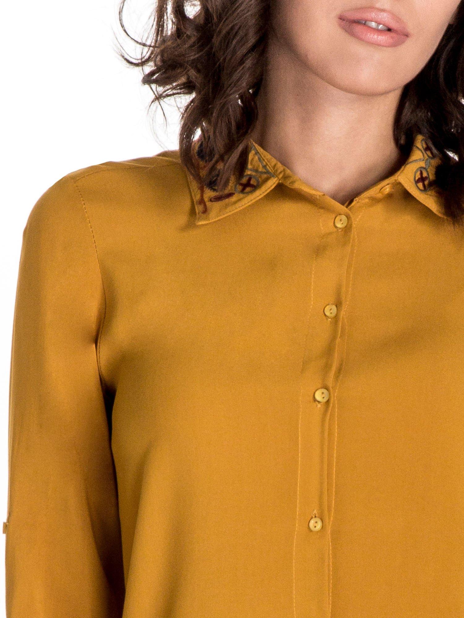 Żółta koszula z haftowanym kołnierzykiem                                  zdj.                                  6