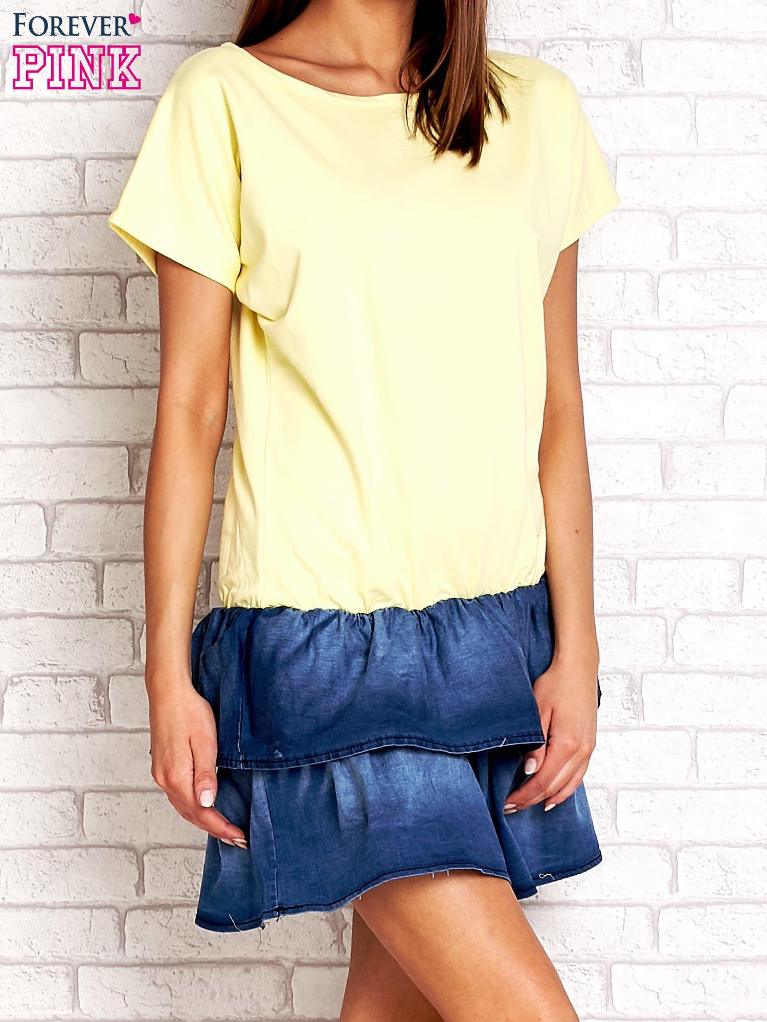 Żółta sukienka dresowa z jeansowym dołem                                  zdj.                                  3