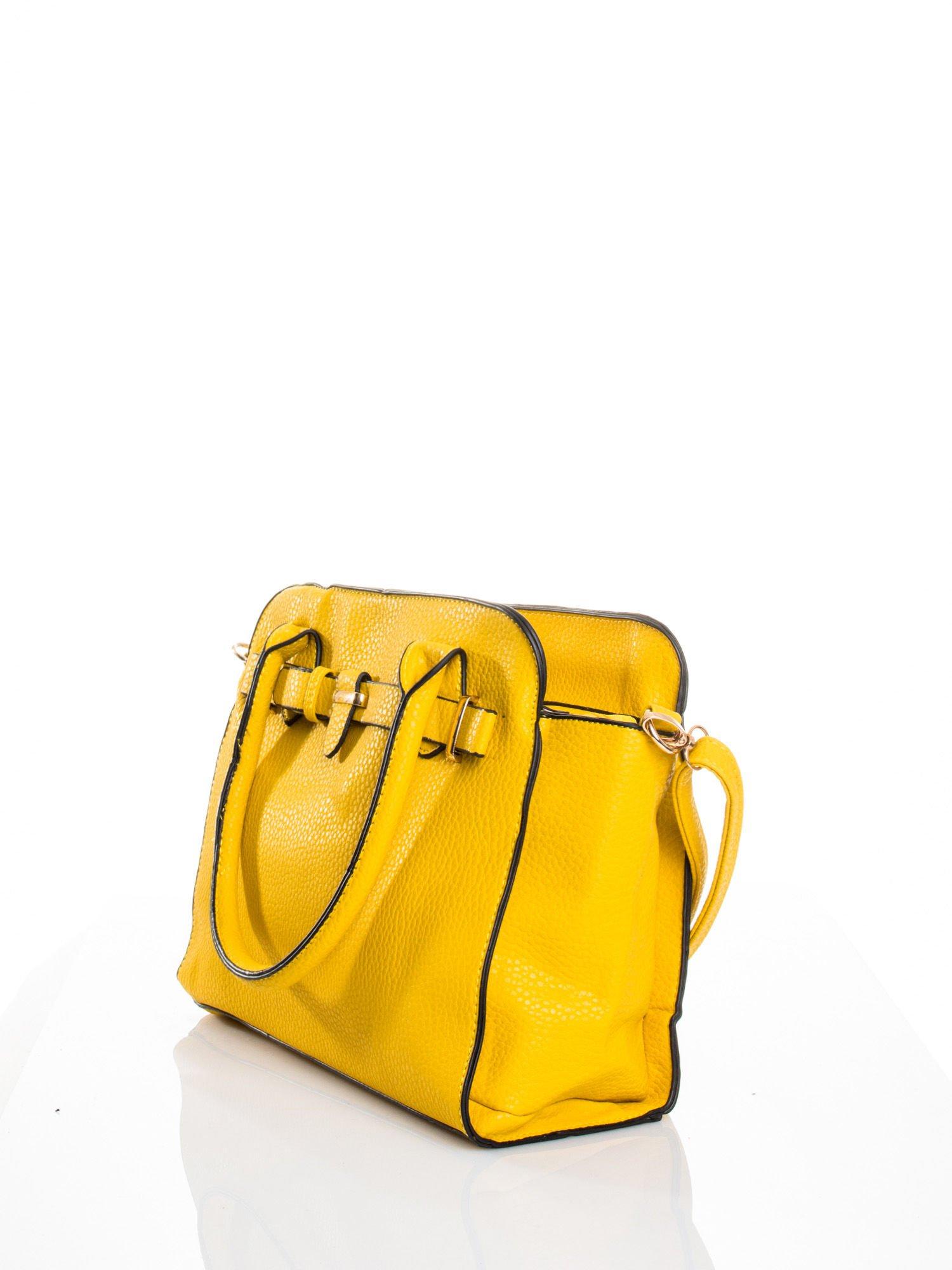 Żółta torba z klamrami z odpinanym paskiem                                  zdj.                                  4