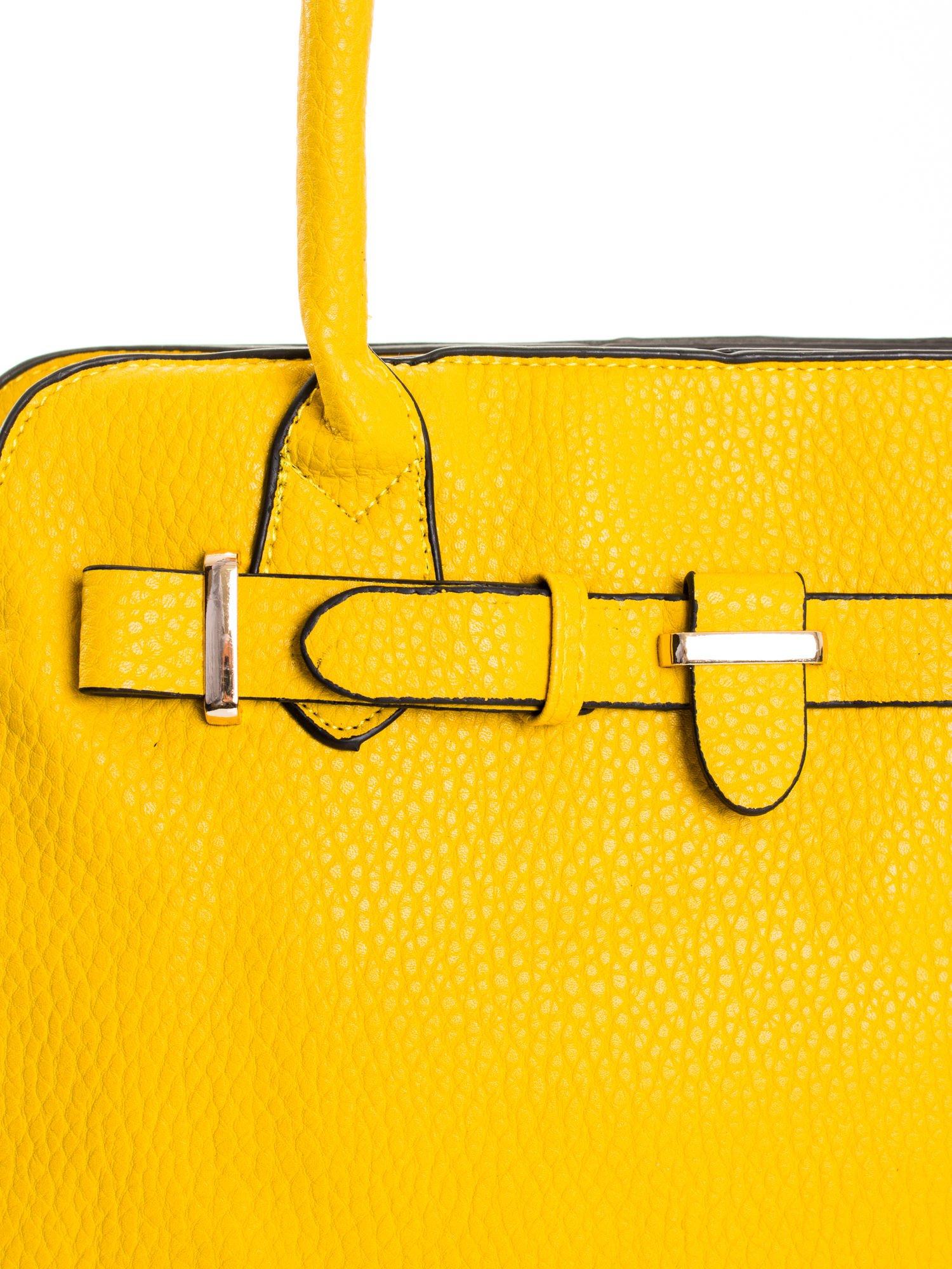 Żółta torba z klamrami z odpinanym paskiem                                  zdj.                                  6
