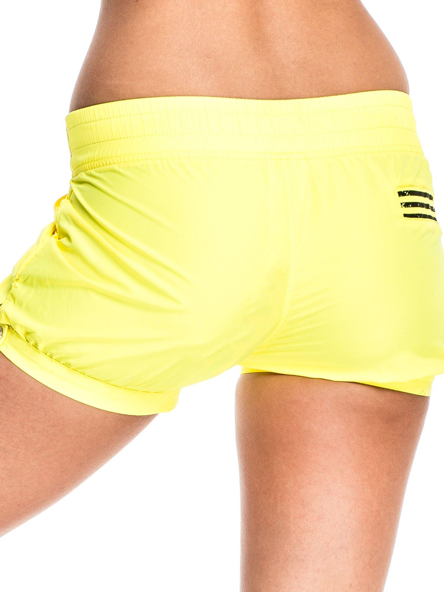 Żółte szorty damskie w stylu marynarskim                                  zdj.                                  6