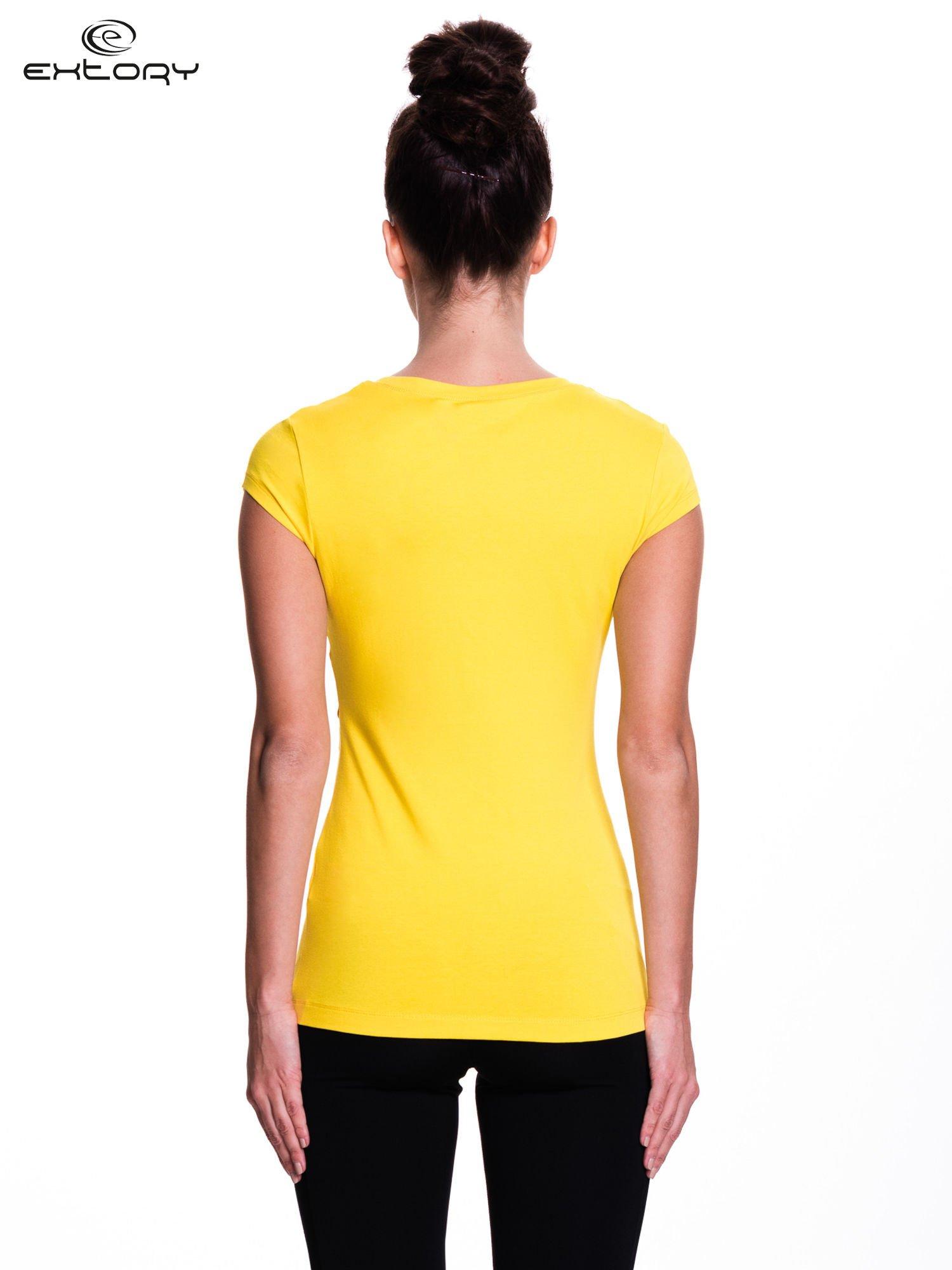 Żółty damski t-shirt sportowy basic                                  zdj.                                  4