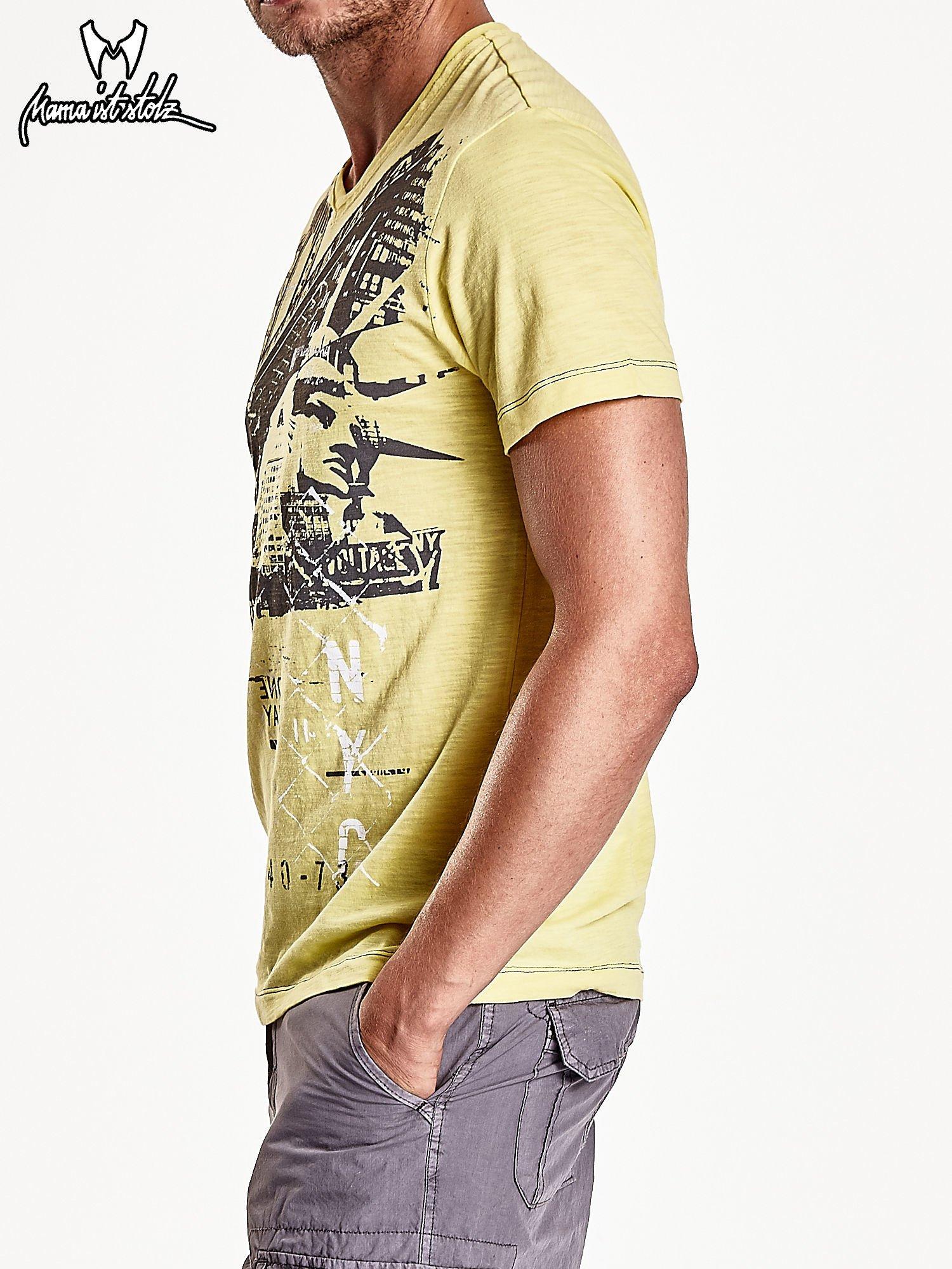 Żółty t-shirt męski z miejskim nadrukiem                                  zdj.                                  5
