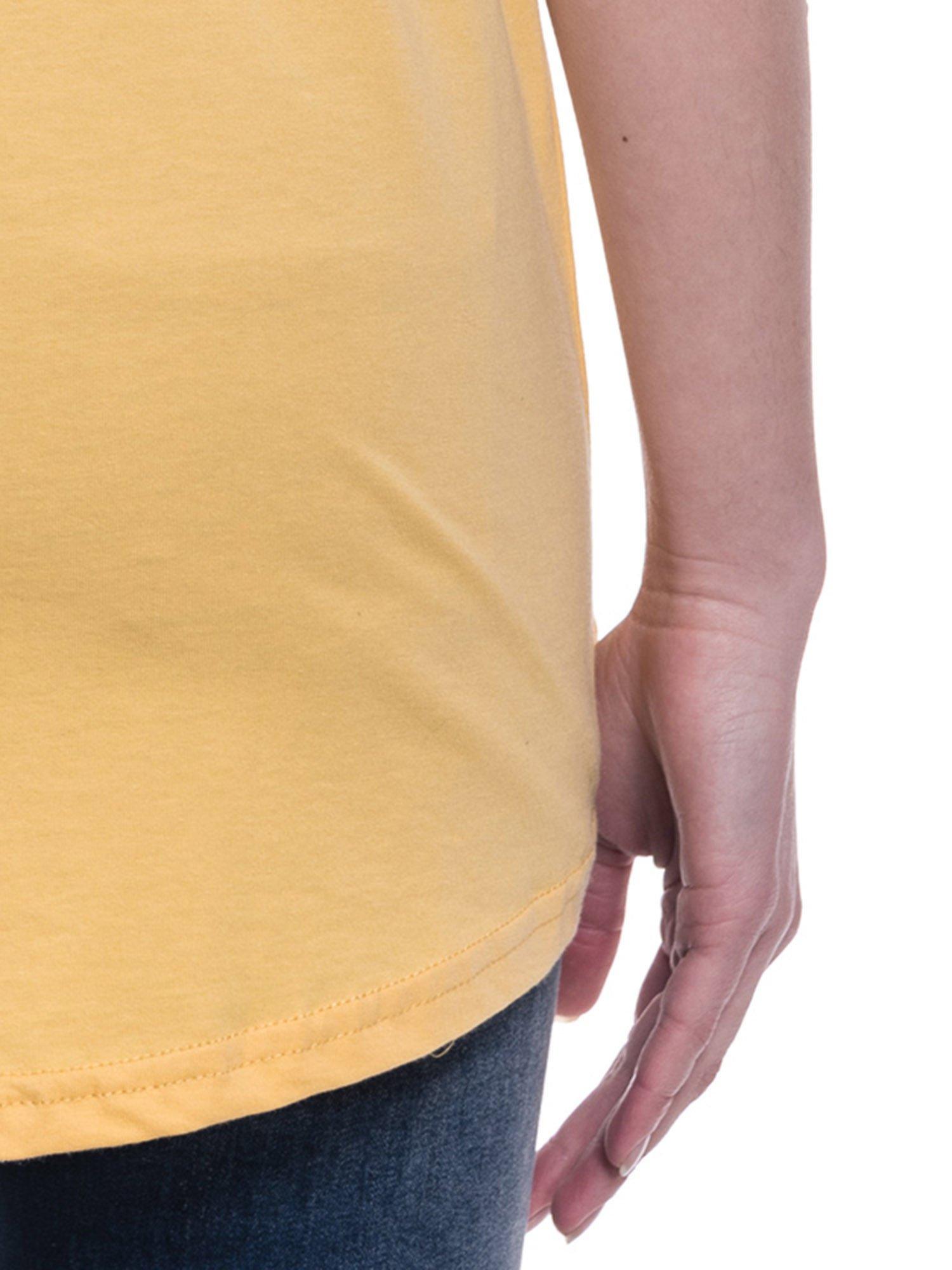 Żółty t-shirt z napisem ARTIST WANTED na plecach                                  zdj.                                  7