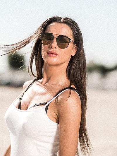 ASPEZO Okulary przeciwsłoneczne damskie czarne MANILA Etui skórzane, etui miękkie oraz ściereczka z mikrofibry w zestawie                              zdj.                              4