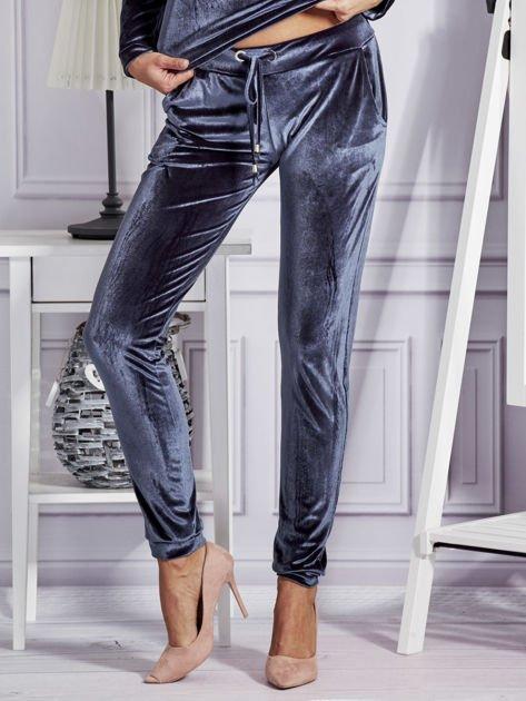 Aksamitne spodnie dresowe ciemnoszare                                  zdj.                                  1