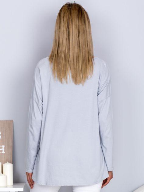 Bawełniana bluzka z nadrukiem kwiatów jasnoszara                              zdj.                              2