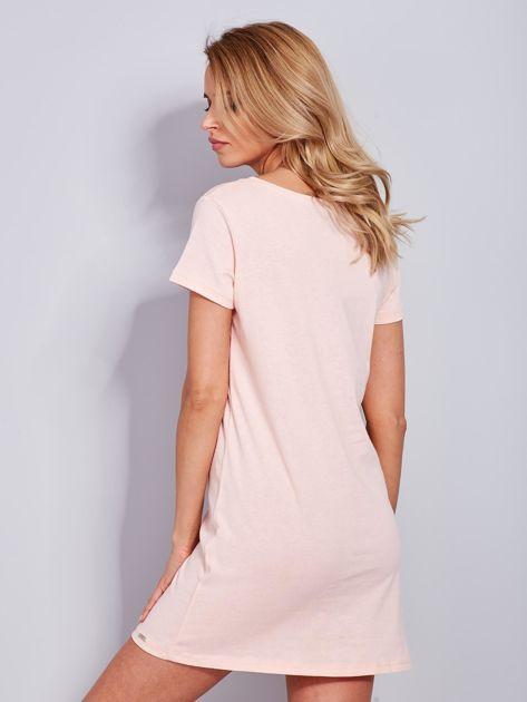 Bawełniana brzoskwiniowa sukienka z nadrukiem                                  zdj.                                  3