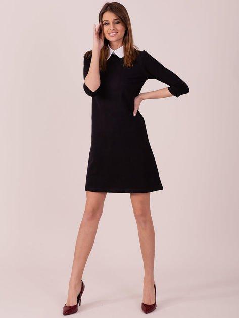 Bawełniana sukienka z kołnierzykiem czarna                              zdj.                              4