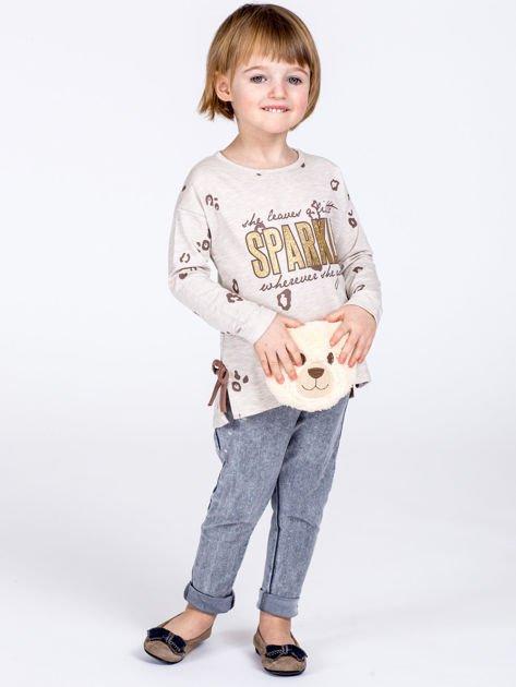Beżowa bawełniana bluzka dziewczęca z nadrukiem i kokardkami                              zdj.                              7