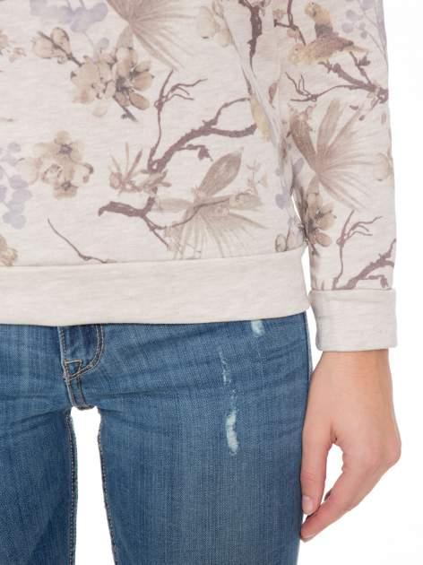 Beżowa bluza z nadrukiem all over floral print                                  zdj.                                  6