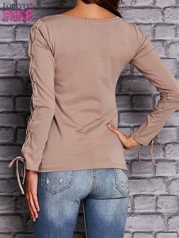 Beżowa bluzka z wiązaniem na rękawach                                  zdj.                                  3