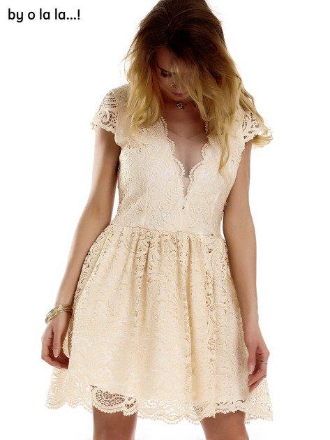 Beżowa koronkowa sukienka z siateczkową wstawką BY O LA LA                              zdj.                              3