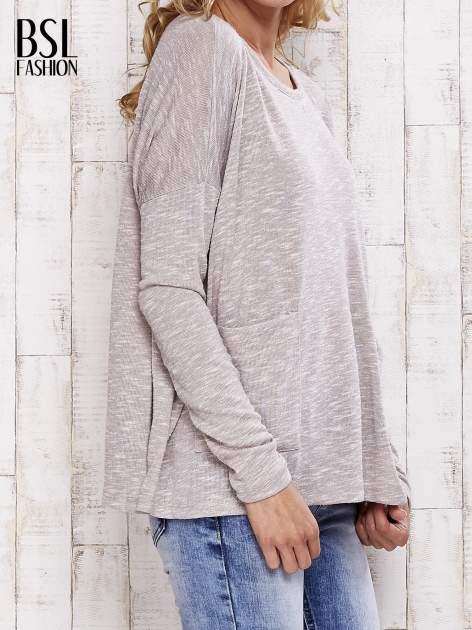 Beżowa melanżowa bluzka z kieszeniami                                  zdj.                                  3