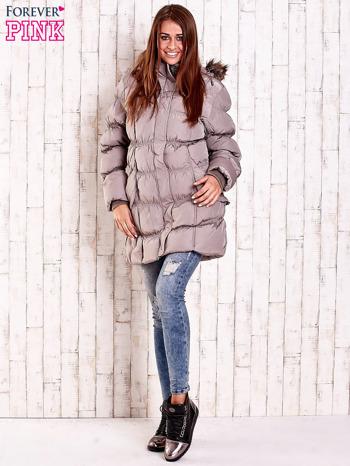 Beżowa pikowana kurtka z futrzanym wykończeniem kaptura                                  zdj.                                  2