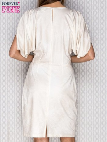 Beżowa sukienka koktajlowa z szerokimi rękawami PLUS SIZE                              zdj.                              2