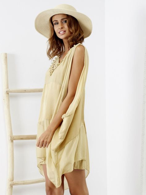 Beżowa sukienka o kimonowym kroju                              zdj.                              4