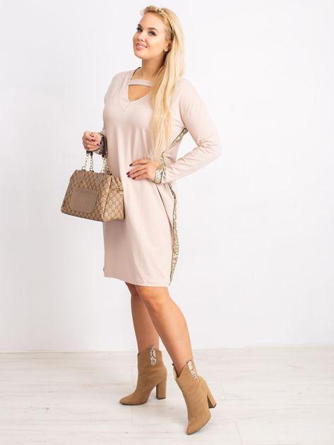 Beżowa sukienka plus size Mode                              zdj.                              4