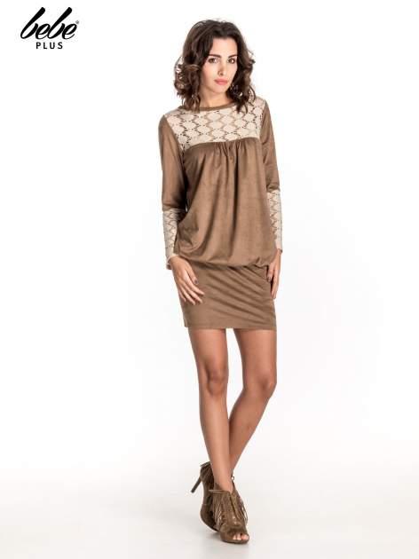 Beżowa zamszowa sukienka z gipiurą                                  zdj.                                  2