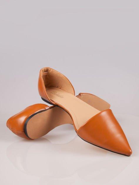 Beżowe baleriny faux leather Tiffany z wyciętymi bokami                                  zdj.                                  4