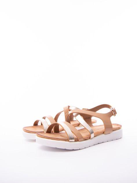 Beżowe sandały SABATINA z lakierowanym paskiem                              zdj.                              3