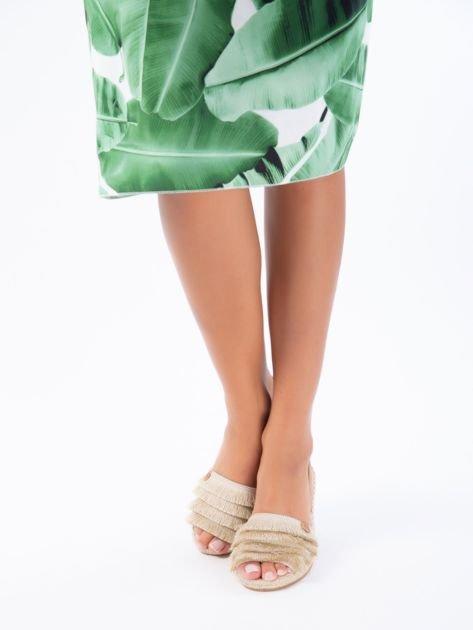 Beżowe sandały z ozdobnym frędzelkowym przodem                              zdj.                              1