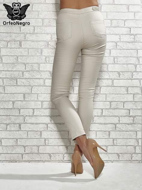 Beżowe spodnie rurki skinny                                  zdj.                                  2