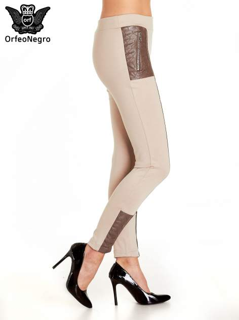 Beżowe spodnie w stylu motocyklowym ze skórzanymi wstawkami i suwakami                                  zdj.                                  3